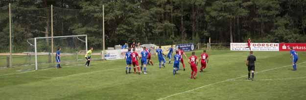 SCA gewinnt Fußballderby deutlich