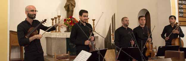 Quintett aus Turkmenistan mit dem Leiter Ovezov Yusub