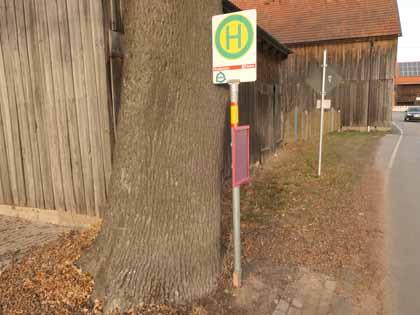 Neue Bushaltestelle in Cottenbach