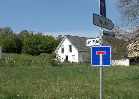 Baulücke Am Wald in Altenplos schließt sich