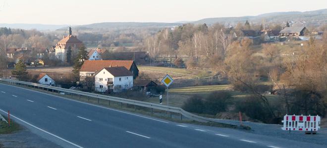 Blick auf das Schloss in Altenplos